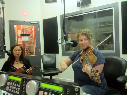 Fiddle Chicks